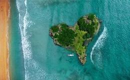 A-heart-island