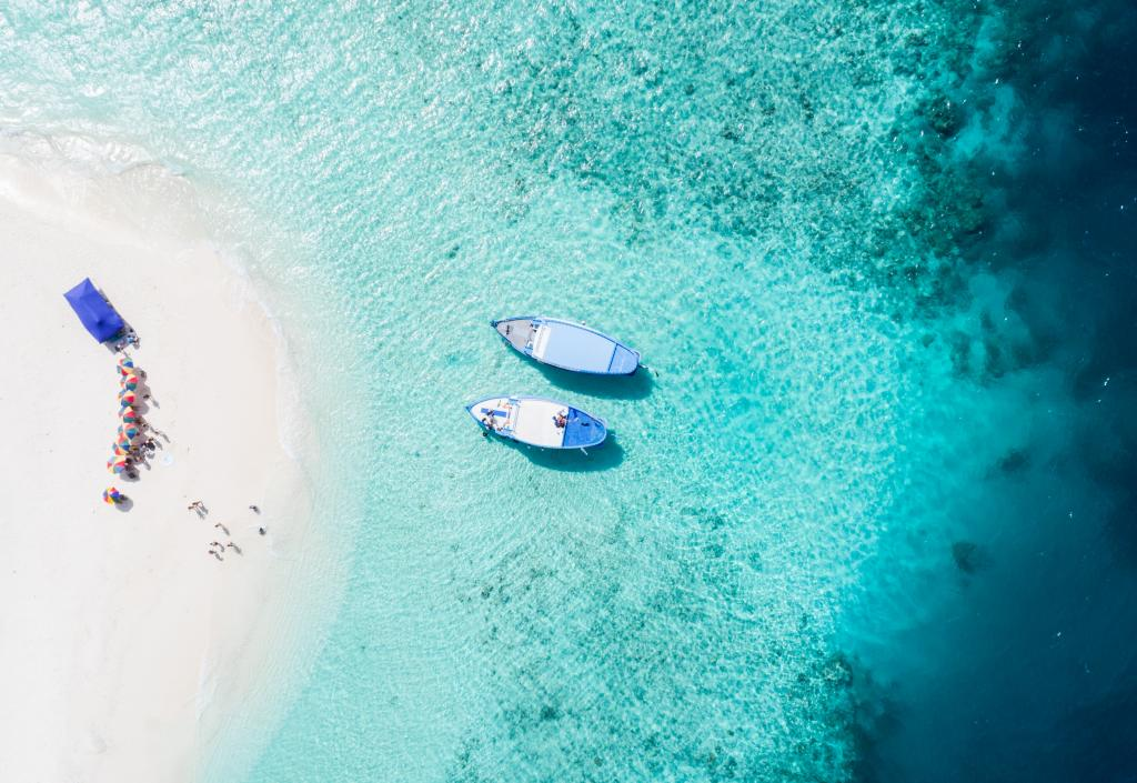 Two-boats-in-Fiji