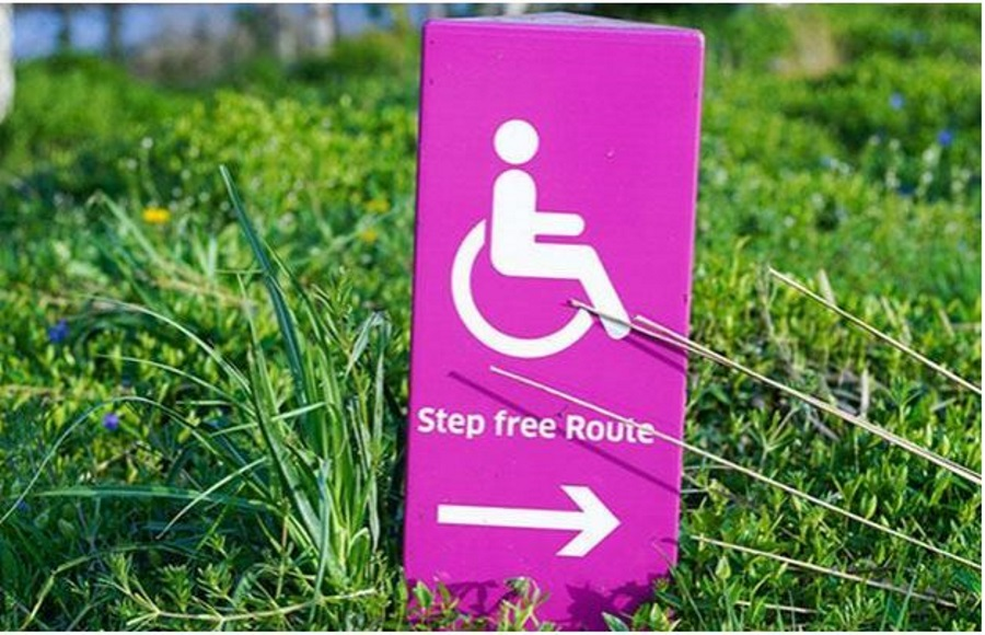 A-sign-that-says-step-free-route
